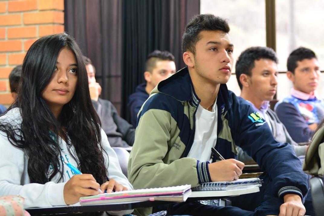 Alumnos Preuniversitario Aprender Ambato